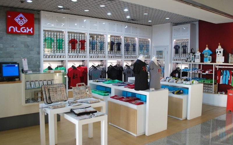 inside the clothing store essay